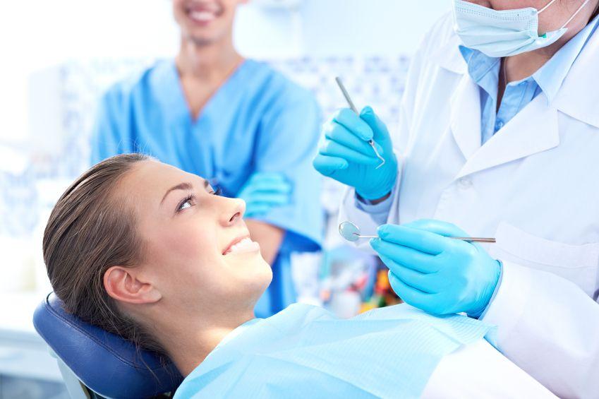 Những lưu ý về trồng răng sứ 1