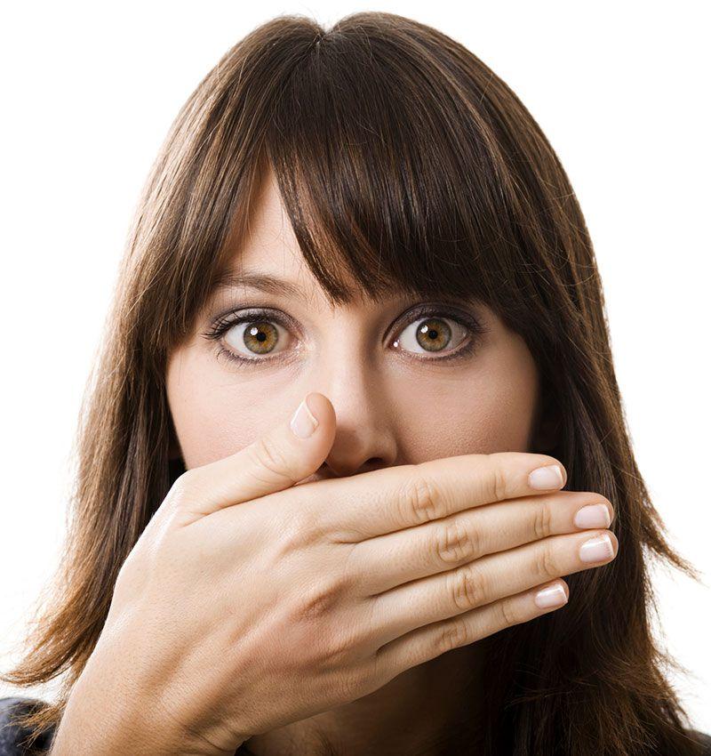 Bọc răng sứ có bị hôi miệng không? 1