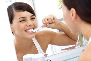 Cách chăm sóc răng sứ titan