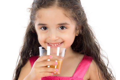 Điều trị răng mọc lệch cho bé 1