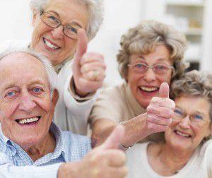 Bọc răng sứ Titan ở người lớn tuổi