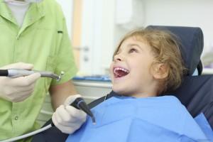 Nhổ răng trẻ em và những điều cần lưu ý