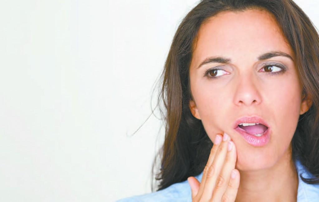 Có nên cạo vôi răng không?