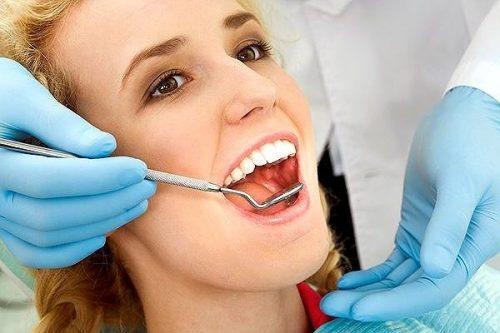 Chảy máu chân răng buổi sáng là hiện tượng bệnh gì? 2