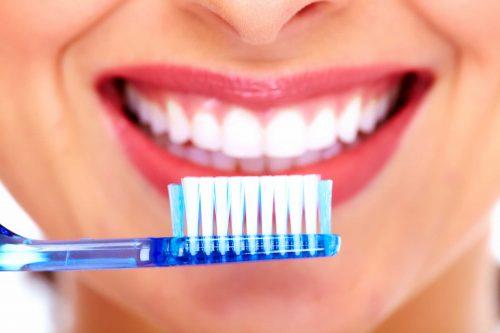 Chảy máu chân răng thường xuyên cảnh báo bệnh gì? 3