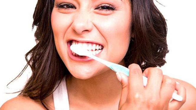 Viêm lợi hở chân răng do đâu? 2