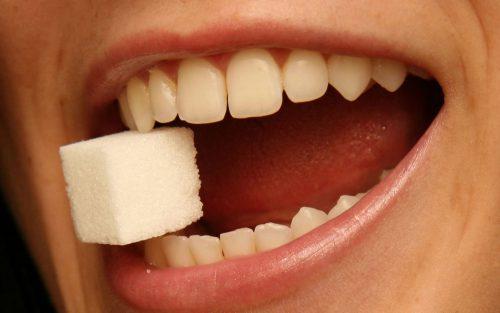 Răng sứ bị mẻ vỡ phải làm sao? Giải pháp khắc phục 3