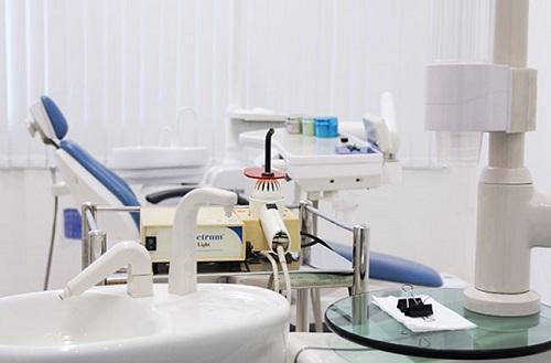 Nguyên nhân bọc răng sứ bị cộm và giải pháp xử lý-4