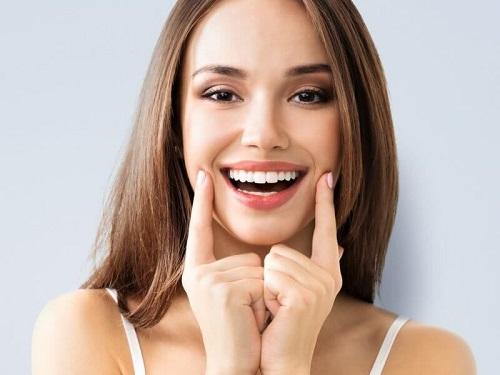 Niềng răng mắc cài pha lê có hiệu quả không?-4
