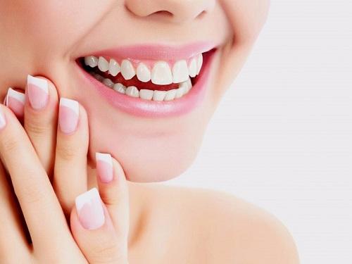 Trồng răng cửa có đau không? Phải lưu ý điều gì 3