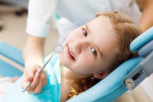 Áp xe răng ở trẻ em dưới 15 tuổi phụ huynh cần lưu ý gì? 3