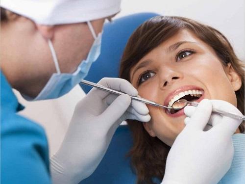 Có nên trồng răng sứ không? Trường hợp nào cần trồng răng?-3