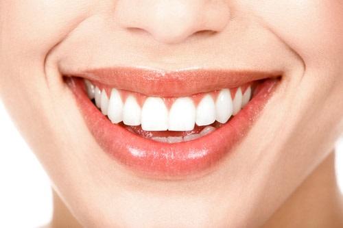 Trồng răng sứ có ảnh hưởng gì không? Tham khảo nội dung sau-4