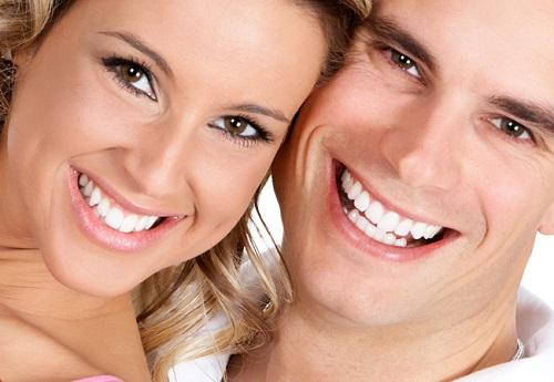 Trồng răng sứ có phải lấy tủy không? Chia sẻ từ nha khoa-4